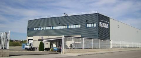 Farmacia, textil y comercio electrónico, impulsan el mercado de operadores logísticos