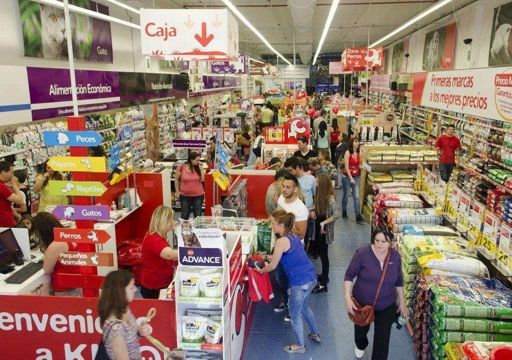 El centro comercial el alisal acoge la primera tienda de for Centro comercial el mueble catalogo