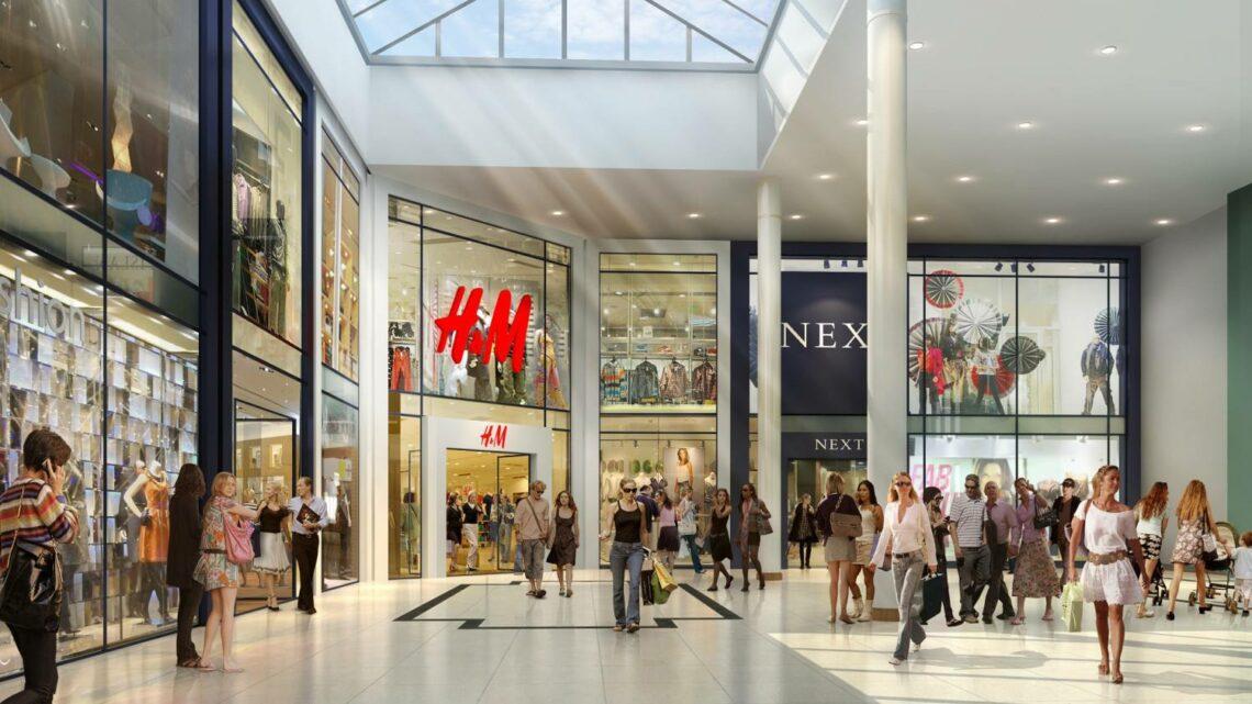 La afluencia a centros comerciales cayó un 33,7% en 2020, según ShopperTrak