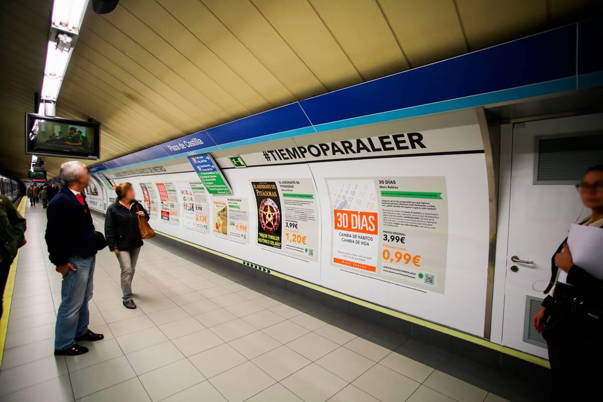 Amazon, con JCDecaux, lanza una librería virtual en el Metro de Madrid
