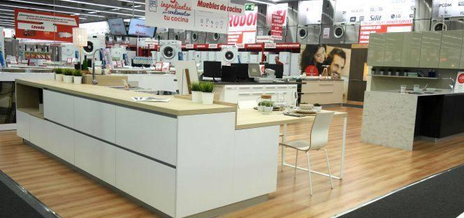 Media markt entra en muebles de cocina de la mano de xey for Muebles de cocina xey