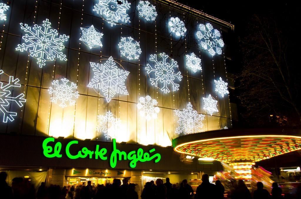 El corte ingl s anticipa la navidad con millones de for El corte ingles navidad