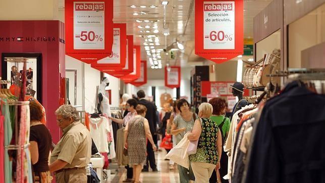 Acusado descenso en la afluencia a centros comerciales en el inicio de rebajas
