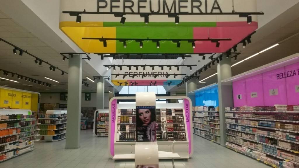 Tiendas especializadas y supermercados impulsan las ventas de perfumería