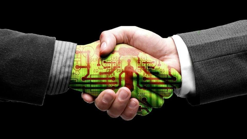 """Generación Z. """"Hombre y máquina caminarán juntos en 2050"""""""