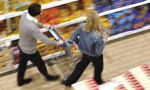 La compra por canales. Supermercado, el más habitual; hipermercado, mejor valorado