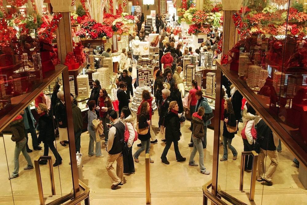 """¿Recuerdan cuando comprar era una fiesta?. Las tiendas en Navidad """"producen estrés"""""""