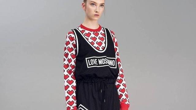 1. Love Moschino Imagen recurso