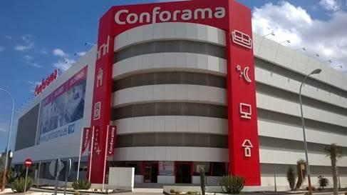 El desplome de Steinhoff. Carrefour entra en Showroomprivé; Muebles Boom en Conforama