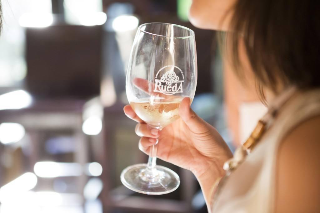 Rueda, consolida su liderazgo como la D.O. de vino blanco más elegida