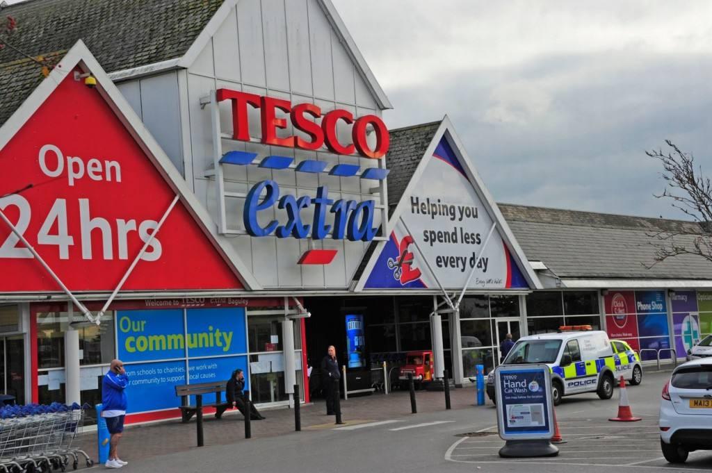 Supermercados en el Reino Unido. Los 4 grandes crecen, Aldi y Lidl, crecen más