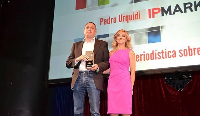 Pedro Urquidi, de IPMARK, premio DEC al mejor trabajo periodístico sobre experiencia de cliente