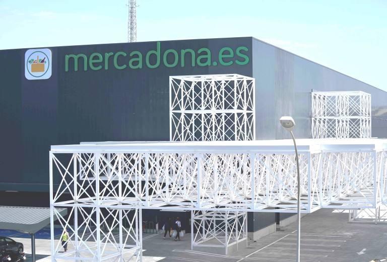 Mercadona online, almacén logístico junto a Amazon en Barcelona