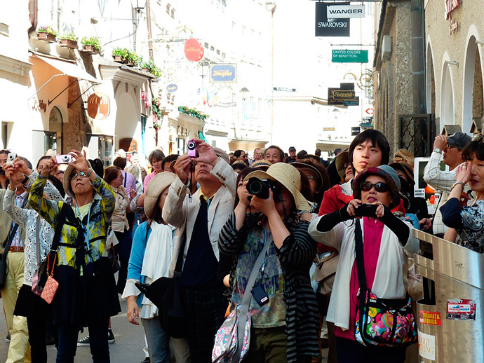 Acotex se asocia a una fintech para atraer al turismo de compras
