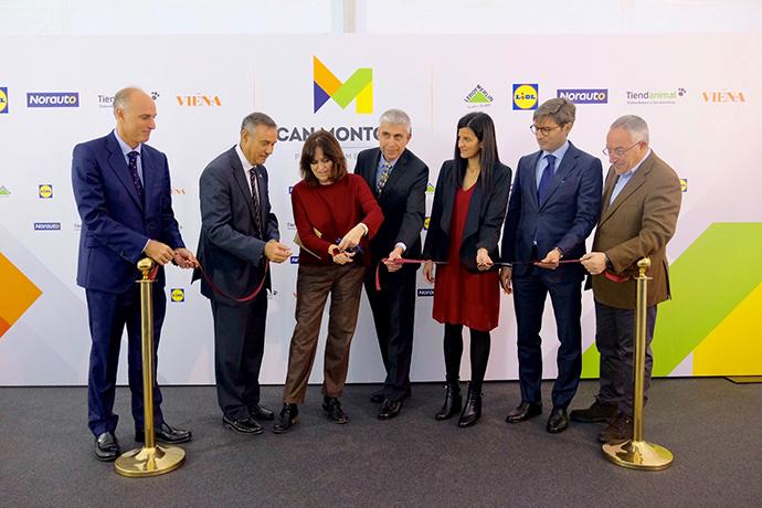 La Subdirectora General de la Generalitat de Catalunya, Montserrat Gallardo (en el centro).