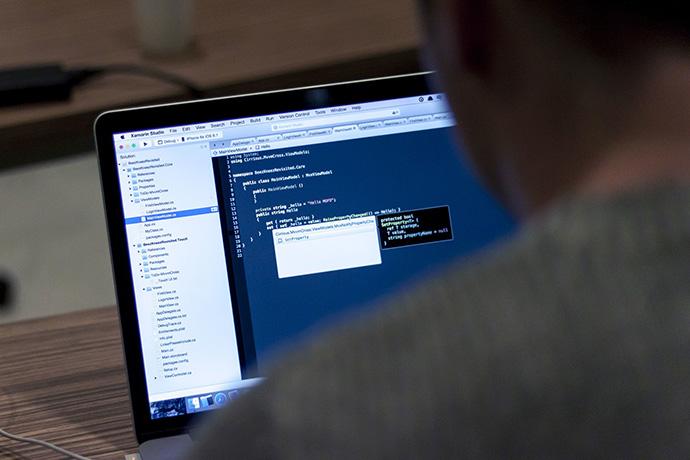 ¿Escasez de talento digital? Acelera España lanza 10.000 becas para formar programadores