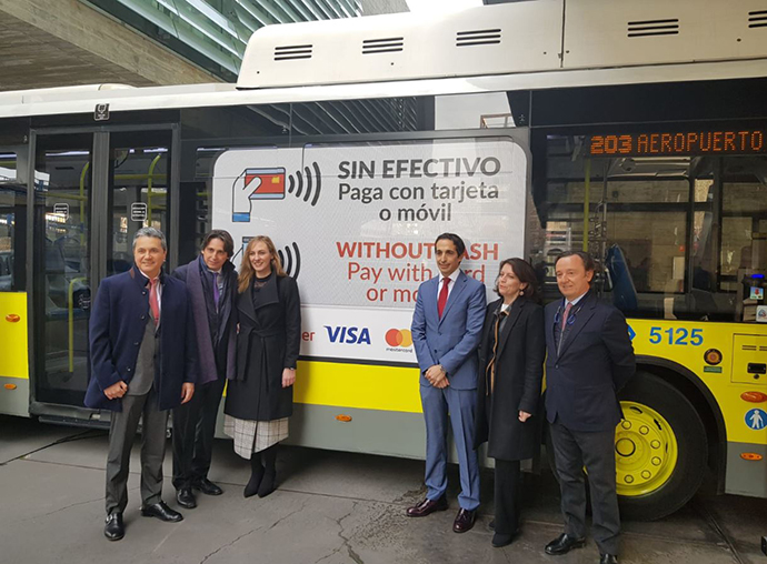 El pago contactless aterriza en los autobuses públicos de Madrid
