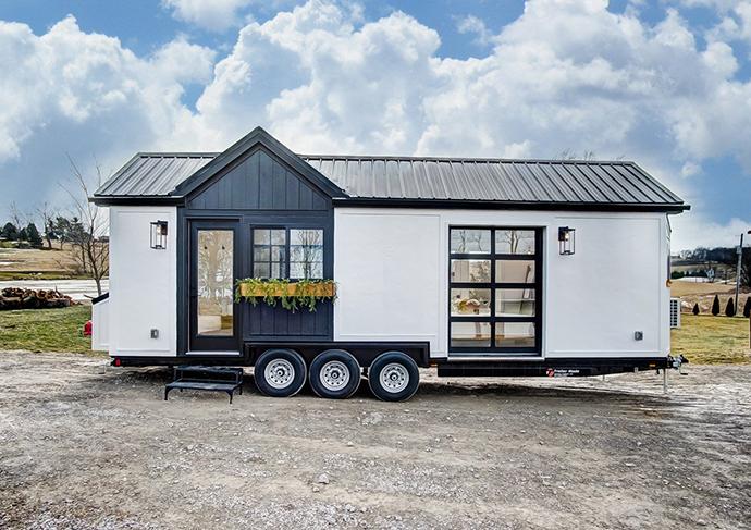 Se trata de una casa sobre ruedas, con 22 metros cuadrados de superficie, abierta al público para exhibir de primera mano sus productos a los clientes.