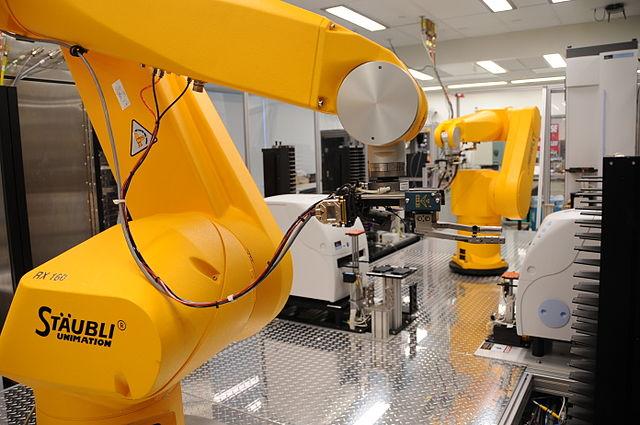 Una de cada 3 empresas españolas cuenta con algún robot