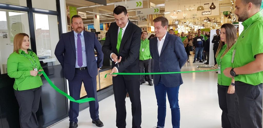 """""""Compact"""",  la nueva tienda de Leroy Merlin en Xátiva que integra AKI"""