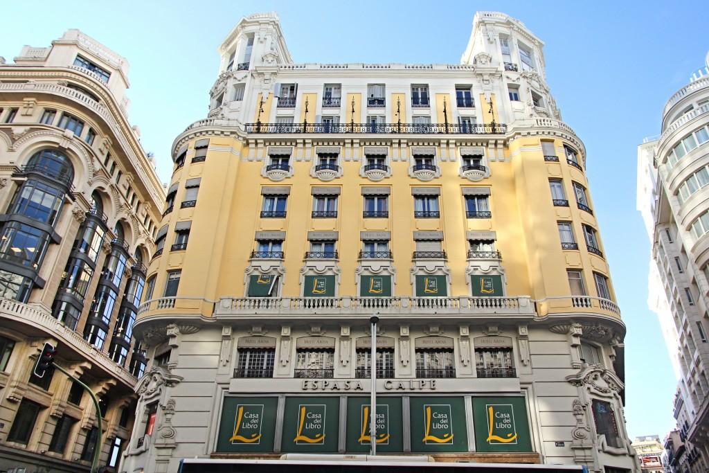 La renovada flagship de Casa del Libro en Gran Vía y el hotel de Cristiano Ronaldo