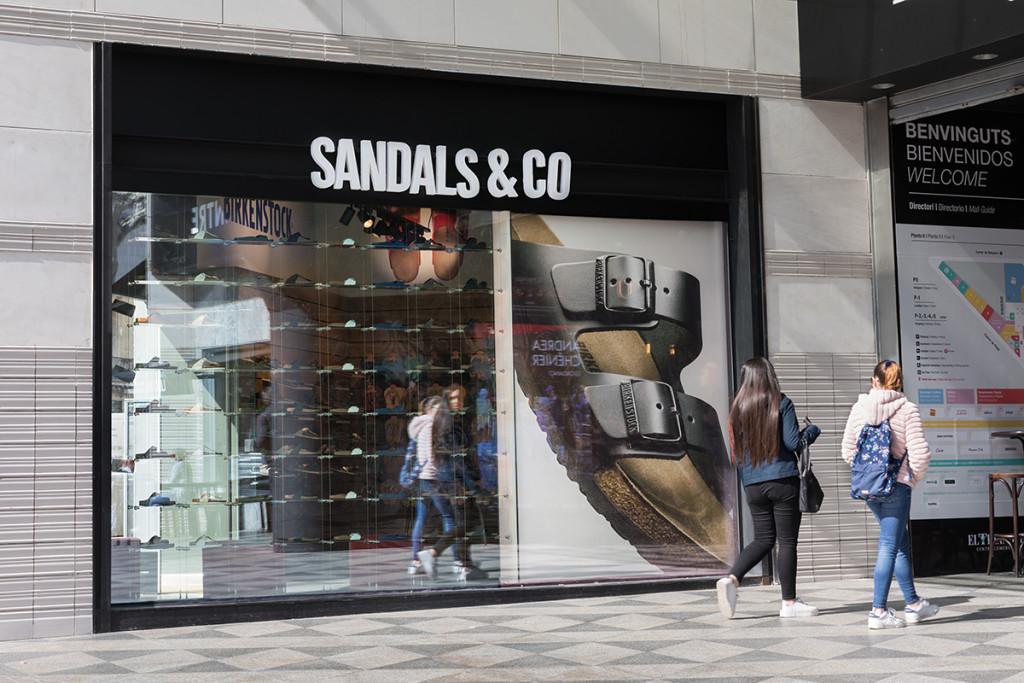Sandals&Co reabren su Pop Up Store en el C.C. El Triangle