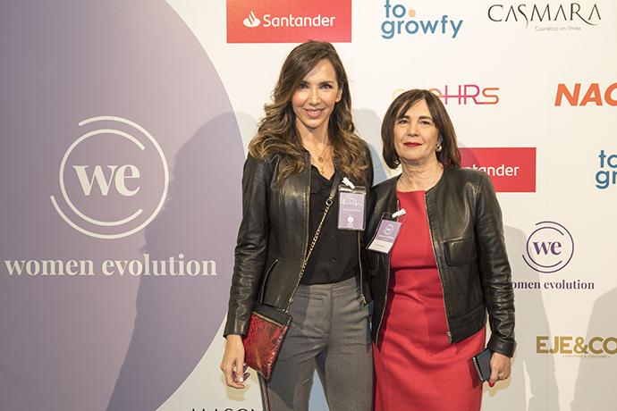 Paloma Lago (modelo y presentadora de TV) y Charo Izquierdo (directora de Mercedes-Benz Fashion Week Madrid.)