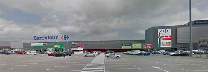 El hipermercado Carrefour de Las Cañas, en Viana (Navarra).