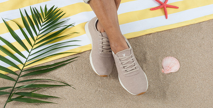 Las zapatillas están fabricadas con lana merina, siendo el primer zapato creado con este material en España.