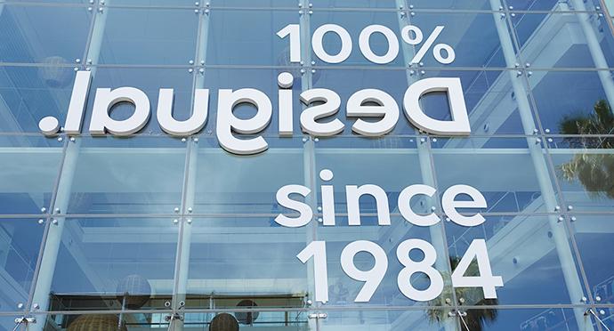 Desigual presenta nueva identidad de marca y concepto de tienda