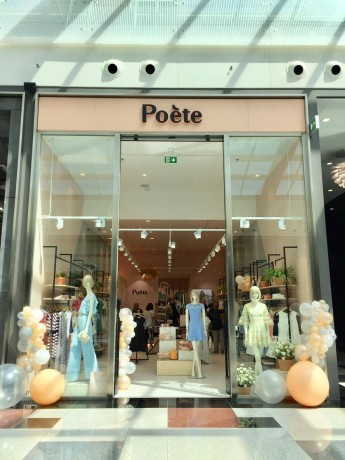 Poète inaugura la primera tienda en Granada