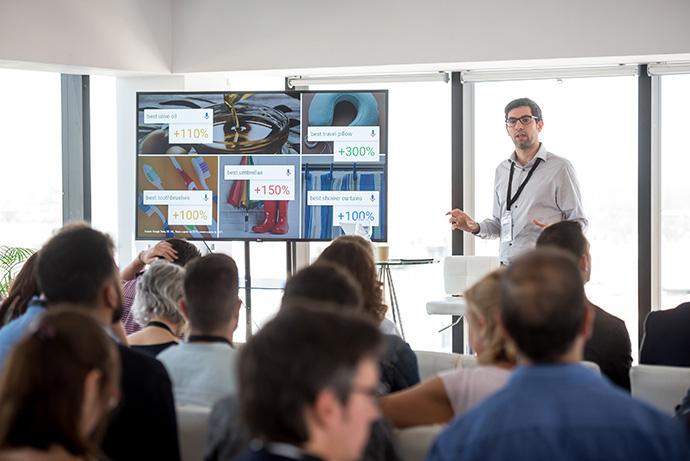 Carlos García, channel sales strategic partner manager de Google, durante el evento #MakeMeSell, organizado por Make Me Reach en colaboración con D/A Retail e IPMARK