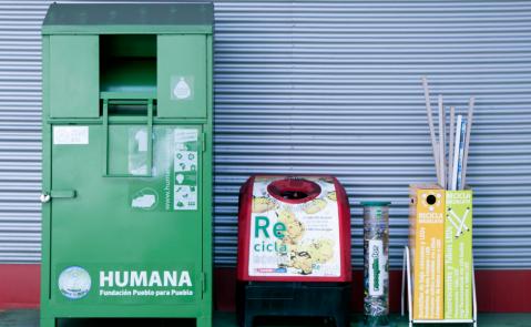 la empresa lidera diferentes proyectos de reciclaje y reutilización de productos, como por ejemplo 'Desarrollo Sostenible. Residuo Cero' y 'Desperdicio Cero'.