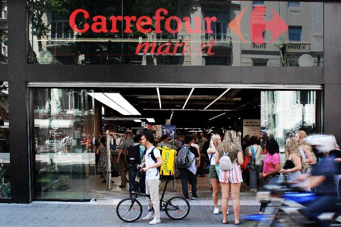 Carrefour entregará sus pedidos urbanos en menos de 30 minutos con Glovo