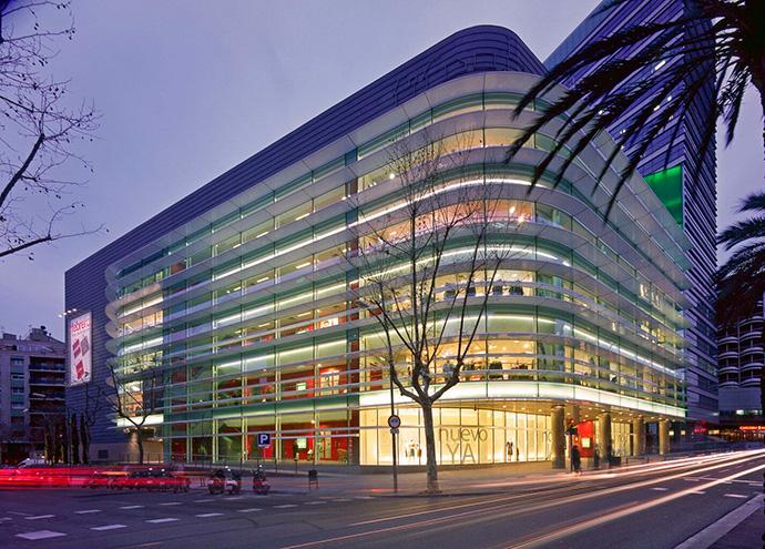 Pedro Alonso Agüera se convierte en propietario del centro comercial El Corte Inglés de Francesc Macià, en Barcelona