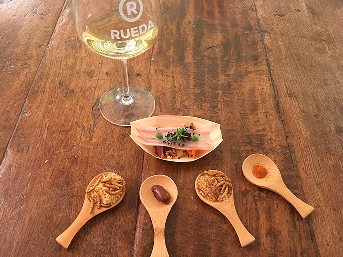 D.O Rueda ha organizado una cata de vinos con insectos en Madrid