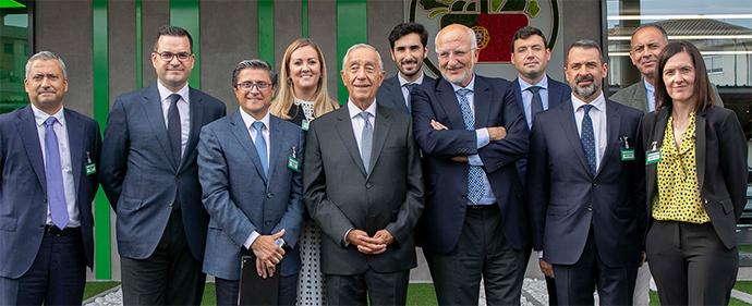 Presidente de la República, Marcelo Rebelo de Sousa; presidente de Mercadona, Juan Roig; miembros del Comité de Dirección y miembros del equipo de la enseña valenciana.