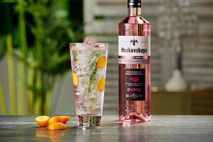 Moskovskaya Pink, el vodka rosa que aterriza en España