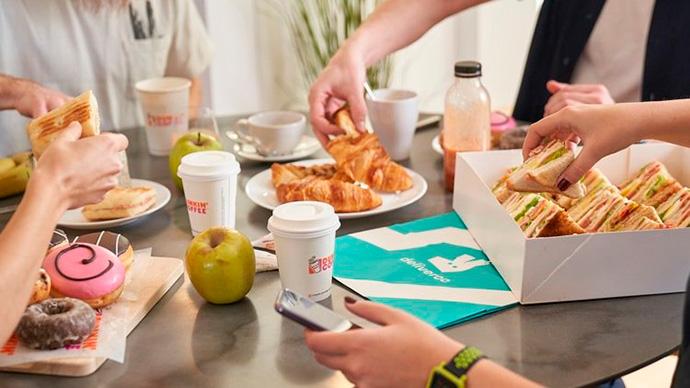 Ofrecer comida en la empresa. Una inversión con retorno positivo