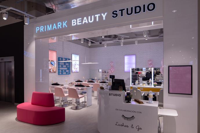 Primark abre su nueva tienda en Sevilla en el centro comercial Lagoh