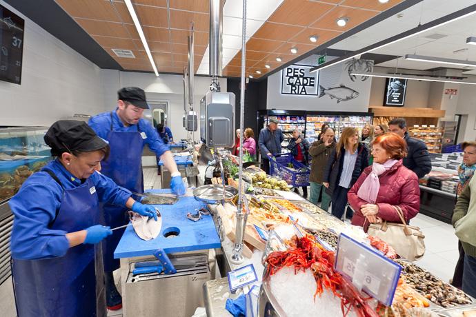 Sección de pescadería de un supermercado BM