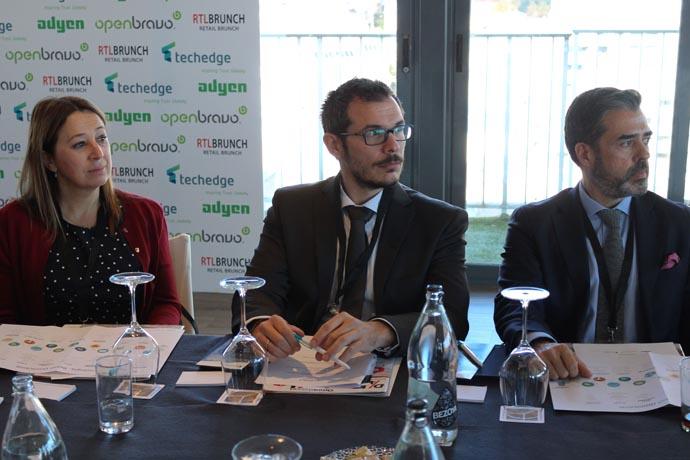 De derecha a izquierda: Mónica de Pablos director de IT, digital &ecommerce de Trucco, Alberto López head of partnerships de Adyen y Davidad Martín director de operaciones institucionales de Carrefour