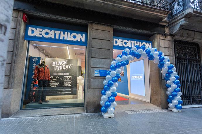 Decathlon abre su nueva tienda omnicanal en el centro de Barcelona