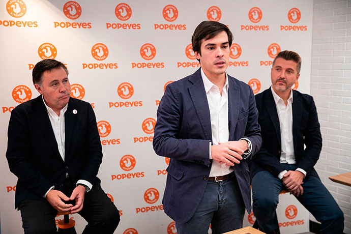Gregorio Jiménez presidente de Restaurant Brands Iberia Ignacio Sedano general manager Popeyes® Spain Portugal y Miguel Granado marketing Popeyes®