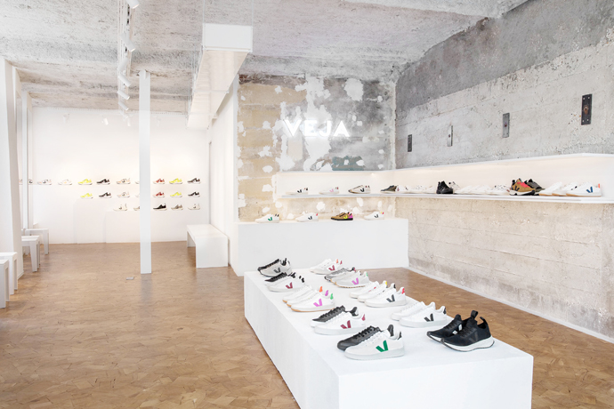 Veja abre su primera tienda en el centro de París