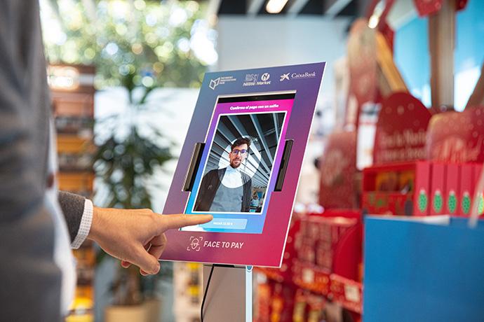 En Nestlé Market, la tienda de Nestlé de Esplugues de Llobregat (Barcelona) ya es posible pagar con la cara