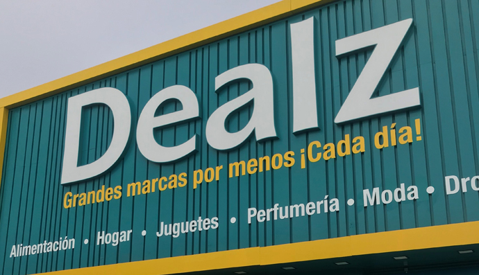 Dealz sigue su expansión y llega a Extremadura