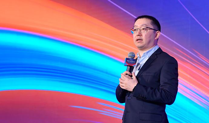 Wang Lei, presidente de la división de comercio local de Alibaba, durante la presentación del sistema operativo para el pequeño comercio