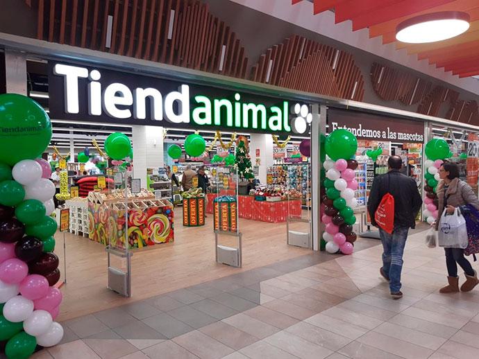Nace un gigante en retail para mascotas. La familia peruana Mulder, suma Tiendanimal a Kiwoko