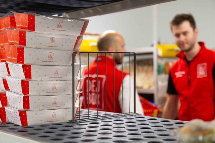 Carrefour compra Dejbox para adentrarse en el segmento B2E